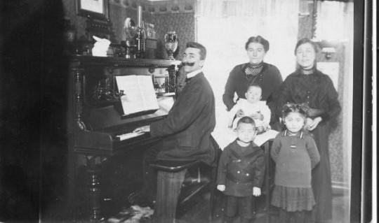 Organist und Küster Josef Roderich